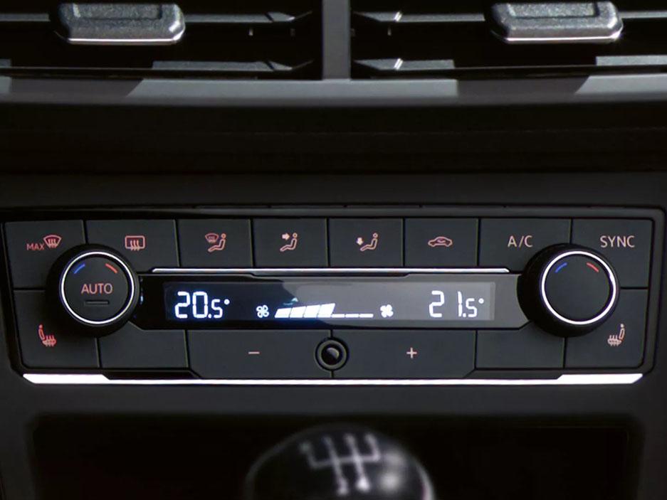 PO4322 polo interior climatronic display 3 2 f cc Polo