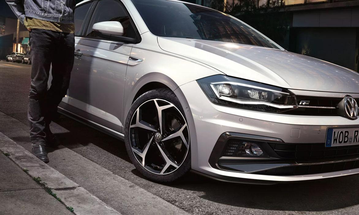 POR4242 polo r line exterior wheels 16 9 f bc 2 Polo