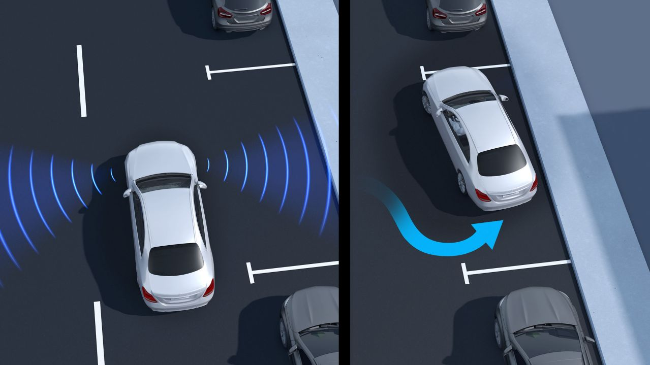 Active Parking Assist with PARKTRONIC GLA