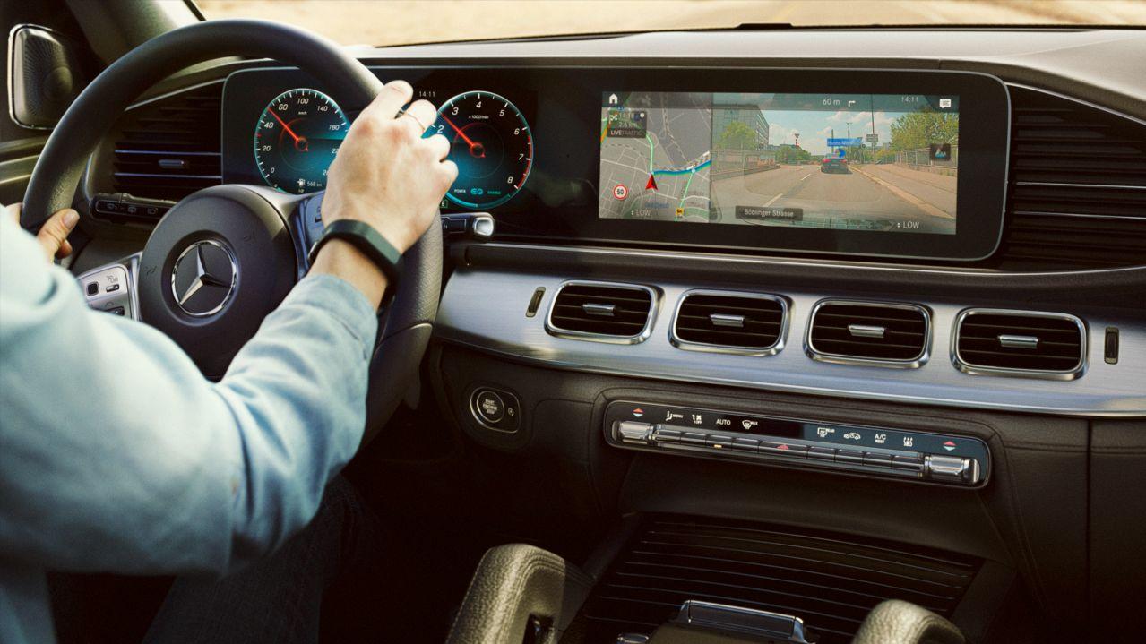 MBUX Augmented Reality Navigation 1 GLE